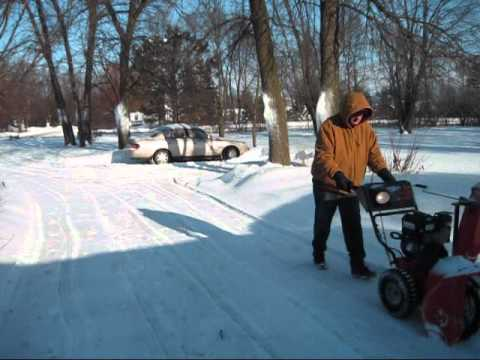 Ariens Deluxe 27 Snowblower Review