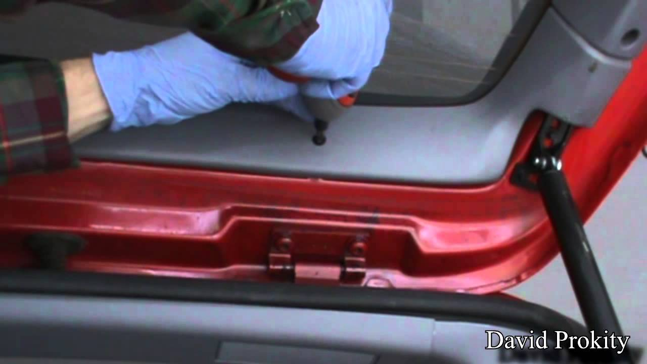 Jeep Grand Cherokee Lift Gate Strut Replacement