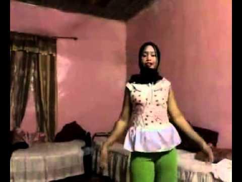 رقص خدامات اندنوسيات هسترة.