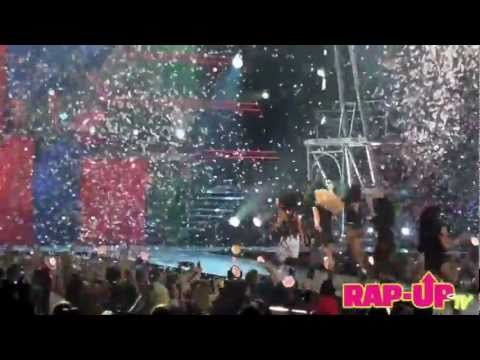Britney Spears ft. Nicki Minaj - TTWE Remix (Femme Fatale Tour) Staples CA 6/20/11