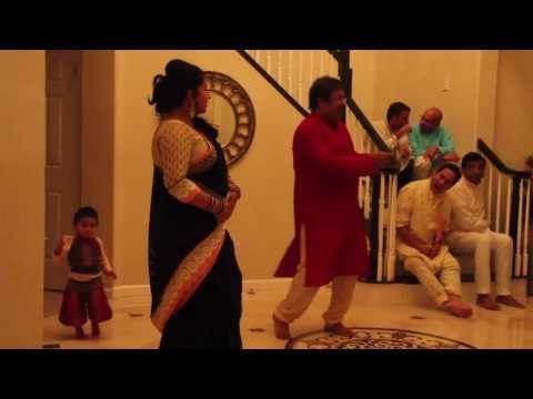 Shamla & Rajesh dance on Kyo age piche dolte ho