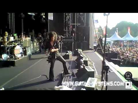 Steve Stevens & Billy Idol @ bospop 2010