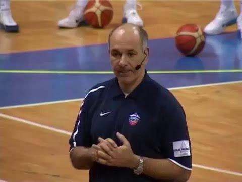 Индивидуальная подготовка центрового игрока Э Молин