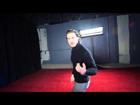 Actores de Reina de Corazones cantan y bailan