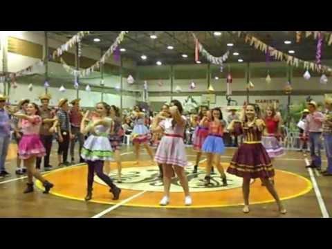 Dança do 3º ão Festa Junina 2013 - Colégio Marista São Luís