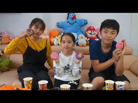 Thử Thách Ăn Xúc Xích Phần Thưởng Kẹo Cuộn Tròn Hubba Bubba - MN Toys Family Vlogs
