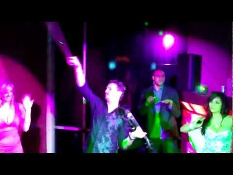 "Gray Performs ""One (Swedish House Mafia)"" at Tony Parker's Club, Nueve"