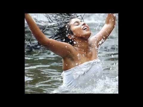 Shamna Kasim Poorna Hot Boobee & Navel Show...HOT HOT HOT!!!