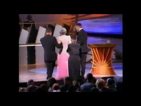 Rosa Parks receiving the 1993 Essence Award