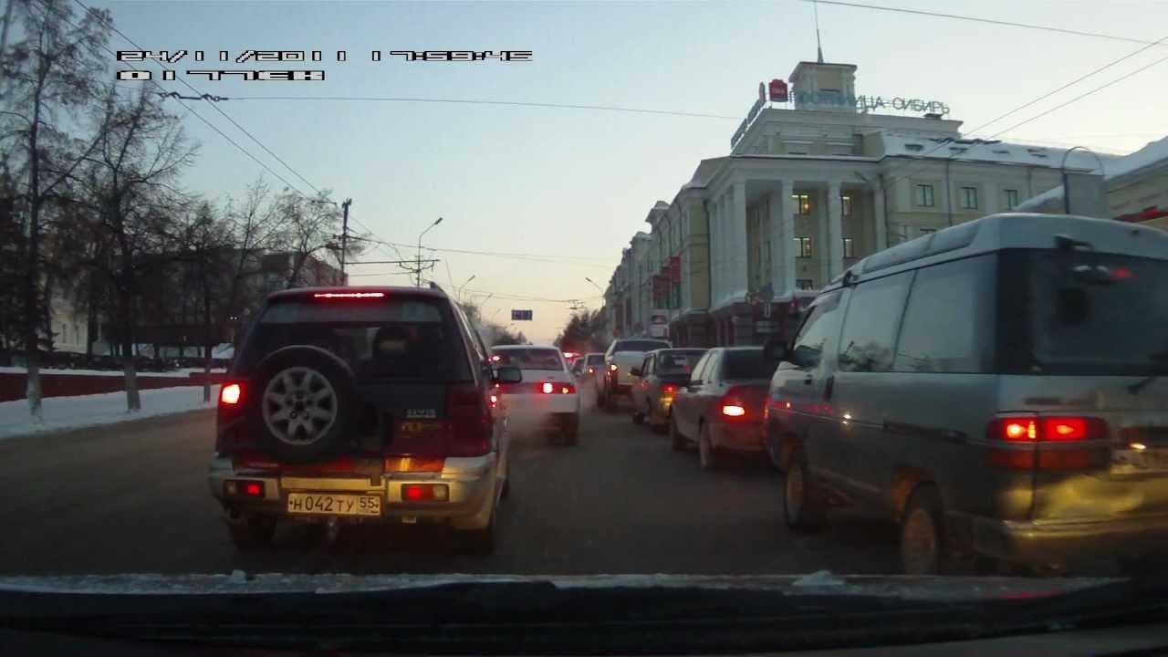 Видео аварии в Омске у клуба Эгоист. .