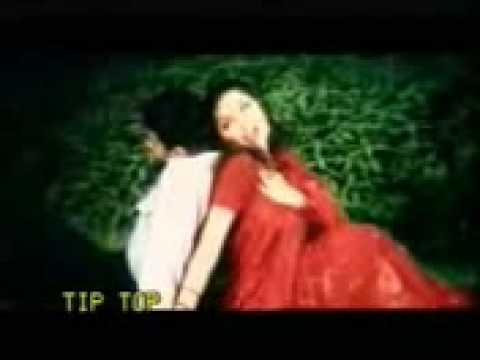 Dil Ke Badle Dil Tu Sari Dunia Deti Hai video