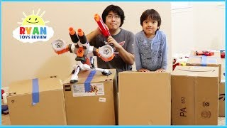 Box Fort Nerf Challenge Toys with Ryan and Daddy!