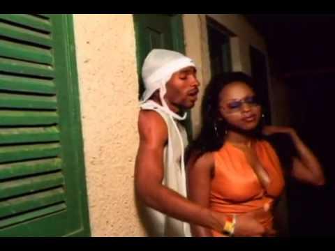 Foxy Brown :: VideoLik...