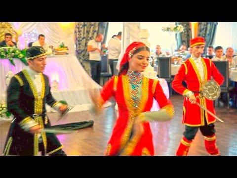 БИТВА ЗА ДЕВУШКУ НА САБЛЯХ- грузинский танец на армянской свадьбе.  Кавказские танцы