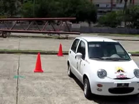 Video de estacionamiento para prueba practica.flv
