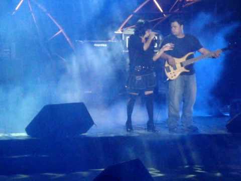 Annette Moreno – Un angel llora(En vivo)