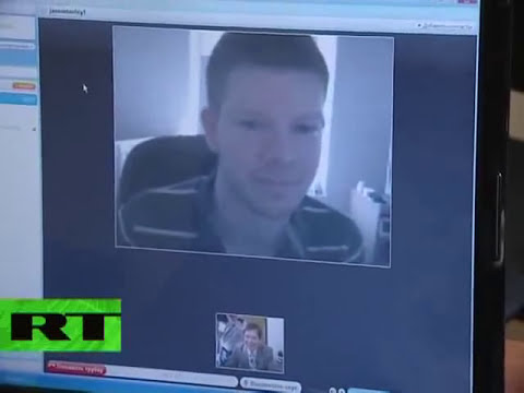 'Trololo Man' Eduard Khil online! Skype song session with fans