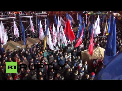 Ukraine: Pro-EU music, flags and banners blare over Kiev