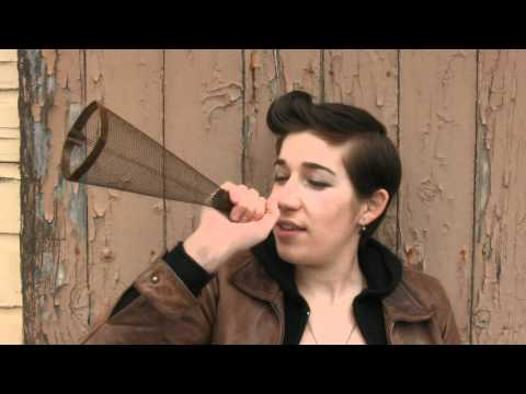 Thumbnail of video Zoe Boekbinder - Paralyzing