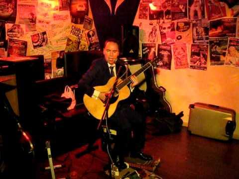 Kris Dollimore The Soul of a Man (Blind Willie Johnson Cover) au Blind Test de Lille le 06/11/09