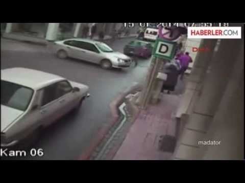 Liseli Cansu Minibüsün Çarpması Sonucu Öldü