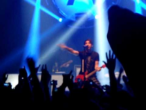 All Time Low - Intro/Lost in Stereo (Live in Dallas)