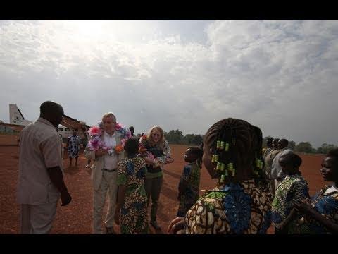 UNICEF Ambassadors Mia Farrow and Martin Bell visit Southern Sudan