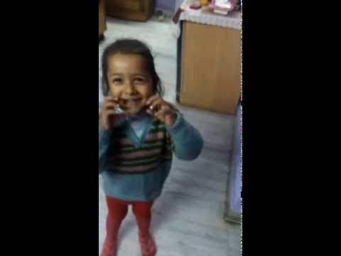 Hindi Christian Kids Song-kisne Banaya Phoolon Ko video