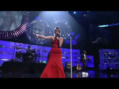 Miley Cyrus - The Climb performs live