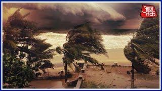 Odisha के तटीय इलाकों में तूफ़ान 'Titli' के घुसपैठ के बाद, भारी बारिश और तेज़ हवाएं