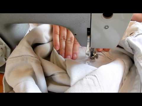 Как заштопать джинсы между ног как зашить дырку на швейной машинке