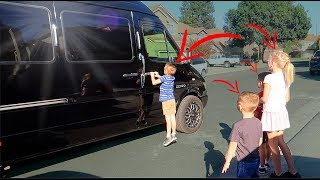 TAKING OUR 5 KIDS IN A HUGE LIMO!