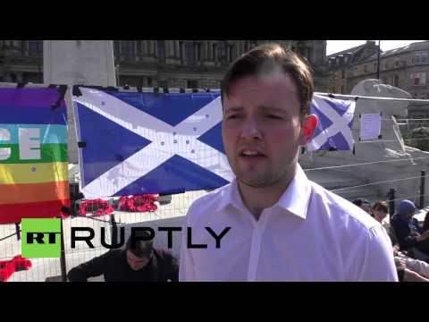 UK: Peace activists hold sit-in protest in central Glasgow