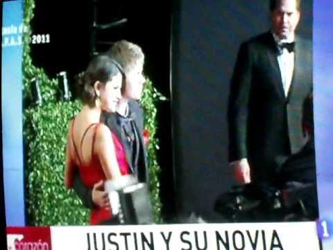 Justin Bieber y su novia Selena Gomez