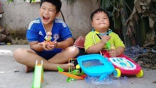 Đồ chơi trẻ em bé pin bác sĩ công viên búp bê  ❤ PinPin TV ❤ Baby toys doctor park doll