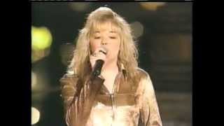 Download Lagu Leann Rimes 'Blue' live concert performance Gratis STAFABAND