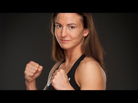 Behind the scenes final preperation for INVICTA FC 7 with Kaitlin Young