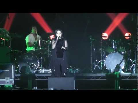 mind blowing mahiya Live Sunidhi Chauhan wembley