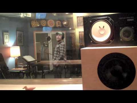 Jake Cinninger channels David Lee Roth