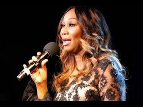 Yolanda Adams sings