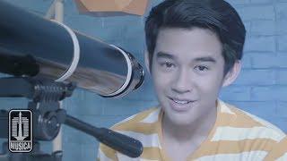 Download Lagu Karel - Cinta Pertama (Official Video) Gratis STAFABAND
