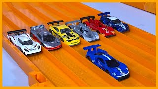 2016 FORD GT RACE vs 6 RACE CARS - HOT WHEELS