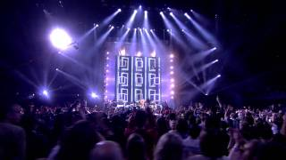 Shakira - Loca feat. Dizzee Rascal y Waka Waka (Live en los MTV EMA 2010) HD