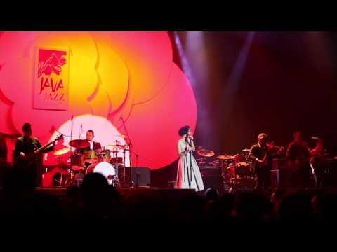 ANDIEN - Aku Disini Untukmu (Live @ Java Jazz Festival 2013)