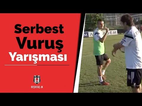 Beşiktaşlı futbolcuların serbest vuruş yarışmasından keyifli görüntüleri