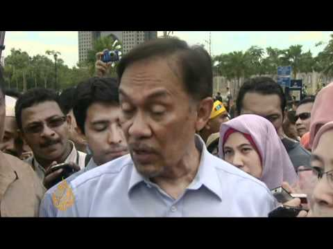 Malaysia's opposition leader acquitted in sodomy trial