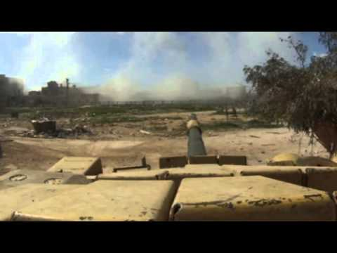 Extraordinary footage of Syrian tank in Damascus