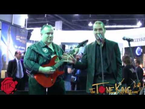 Peavey AT-200 Antares Auto-Tune Guitar - Winter NAMM 2012 Demo Review