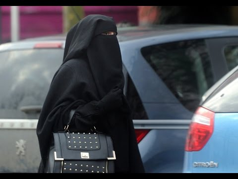 Flashback: France Pushes Burqa Ban