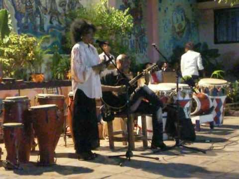 Music video Santiago De Cuba - Tumba Francesa 03 - Music Video Muzikoo